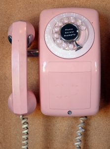 1353144_pink_telephone