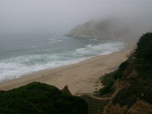 659993_waves_breaking_at_half_moon_bay_beach
